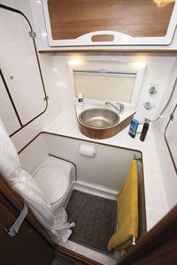 The washroom in the IH 680 CFL campervan