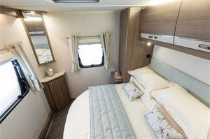 A transverse island bed