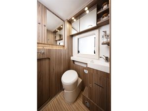 Benimar Tessoro 487 washroom