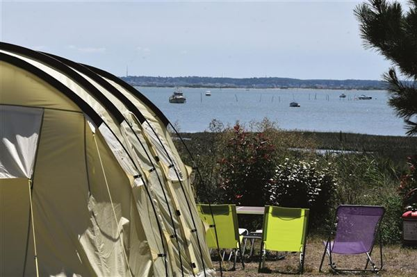 CAMPING AIROTEL LES VIVIERS****