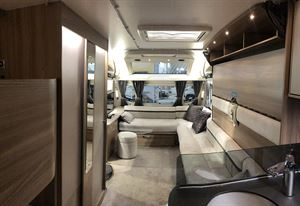 Swift Elegance Grande 655