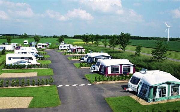 Campsite of the Month: Eye Kettleby Lakes