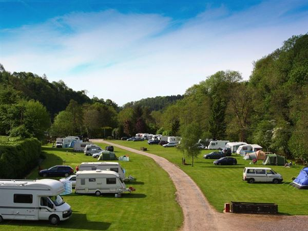 how to set up caravan on site
