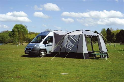 Motorhome accessories: drive-away awnings - Practical ...