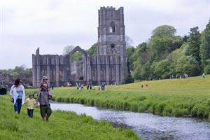 National Trust Fountains Abbey - Arnhel de Serra