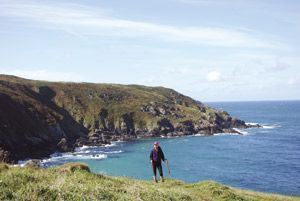 Travelling Cornish coastal paths by foot, motorhome and bus