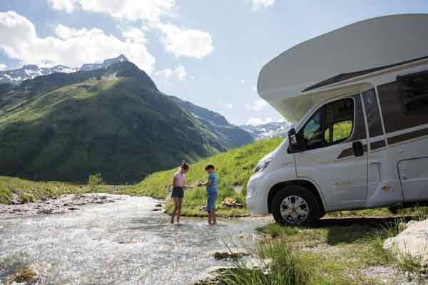 Motorhome hire opens up a whole new world of adventures for you and your family