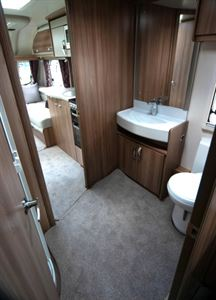 Swift Challenger X 835 washroom