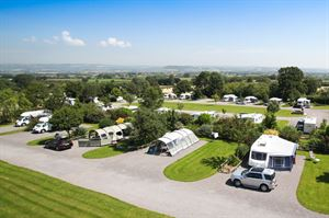 Old Oaks Touring, Glamping and Camping