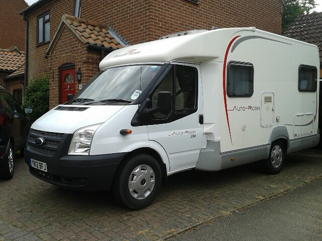 Lastest Fixed Double Bed Motorhome Layouts - Buyers Guide - New U0026 Used Motorhome U0026 Campervan Reviews ...