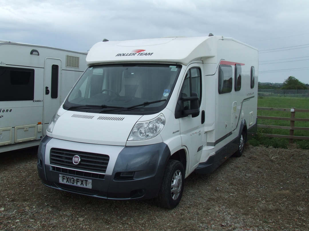 Fixed Double Bed Motorhome Layouts - Buyers Guide - Motorhomes